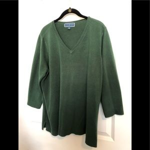 Karen Scott 3/4 sleeve V neck sweater